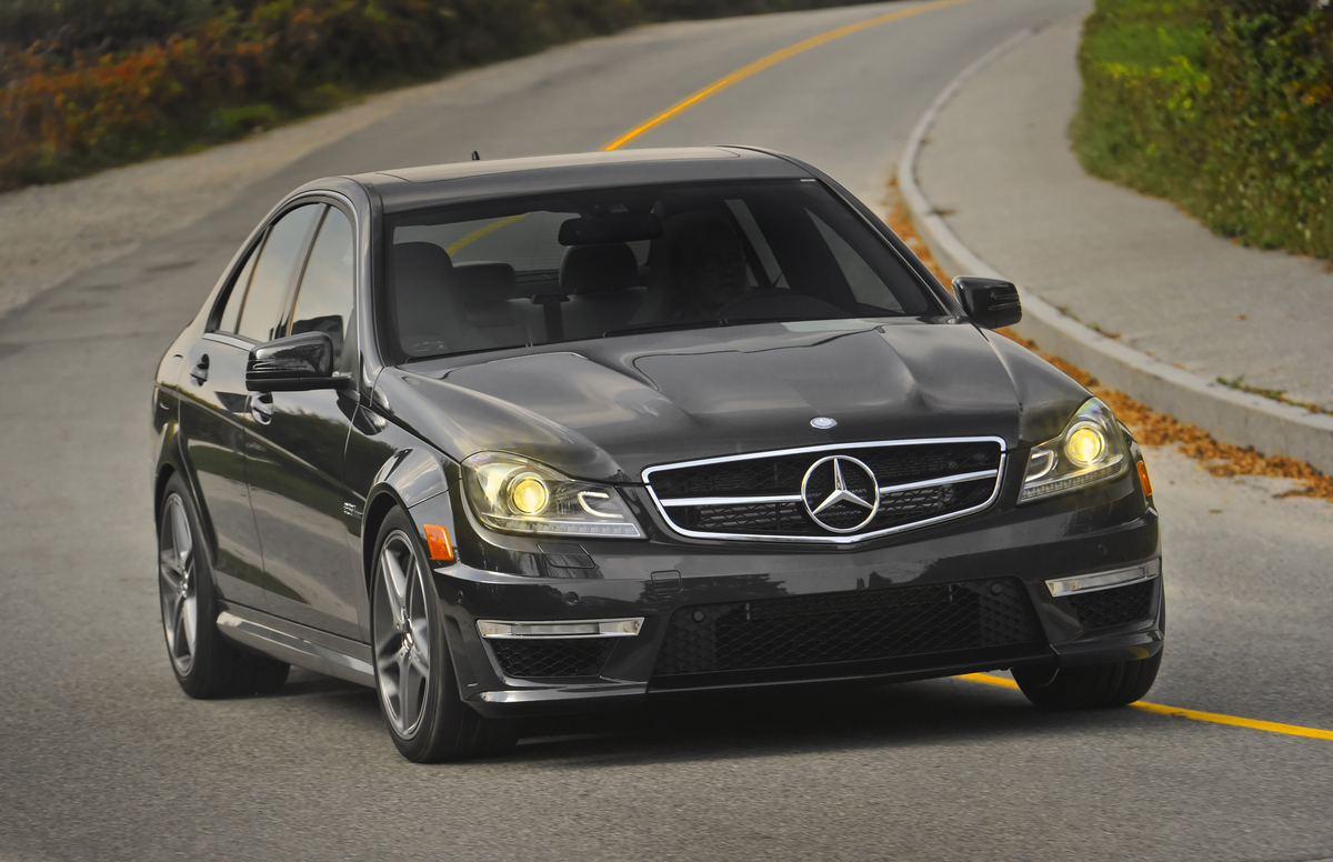 Mercedes benz c63 amg to drop 6 2l v8 in favor of 4 0l v8 for Mercedes benz v8 amg