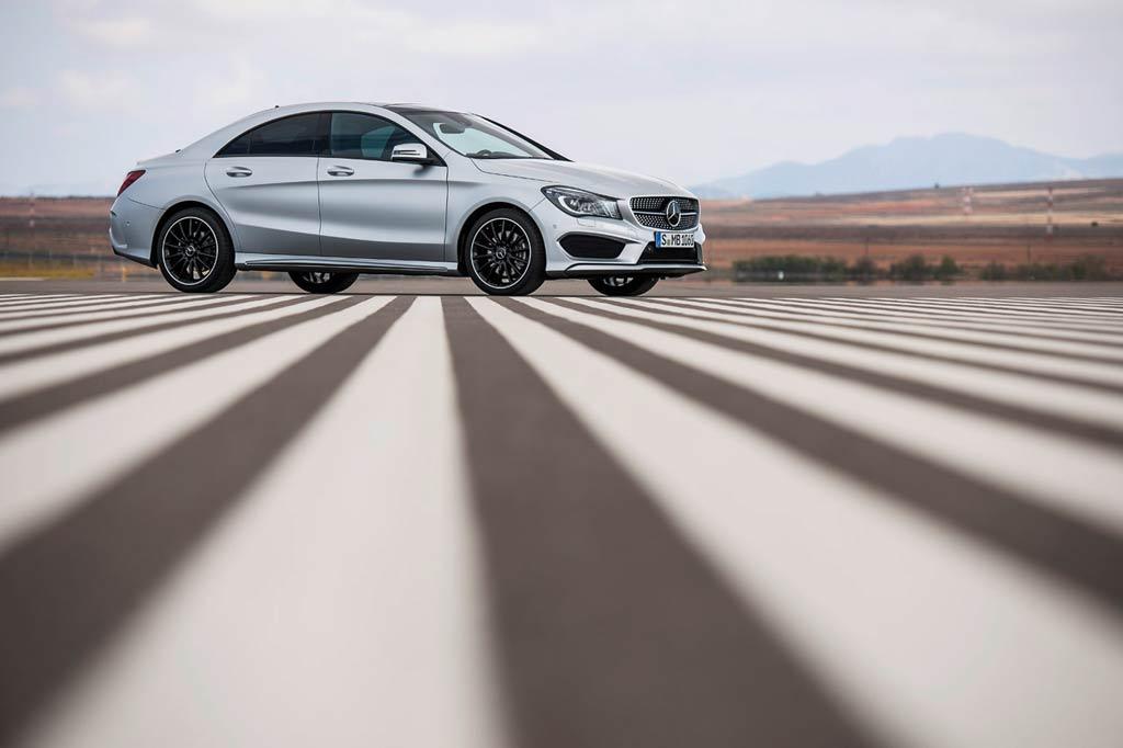 Mercedes CLA side