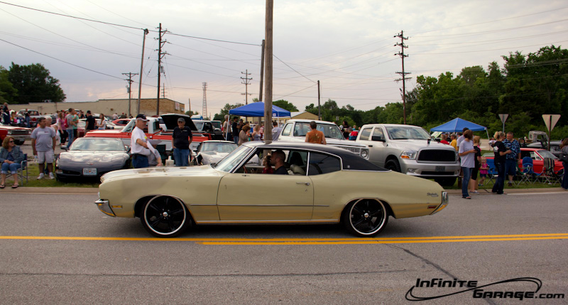 Chevelles Camaros An Ih And A Plymouth Wagon More From